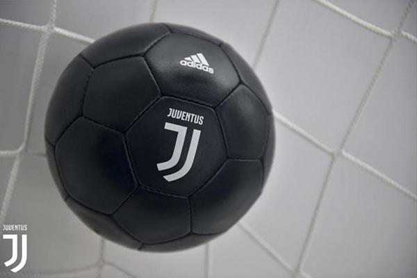 Juventus reveal bold new logo